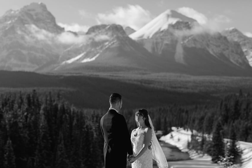 winter wedding in Lake Louise